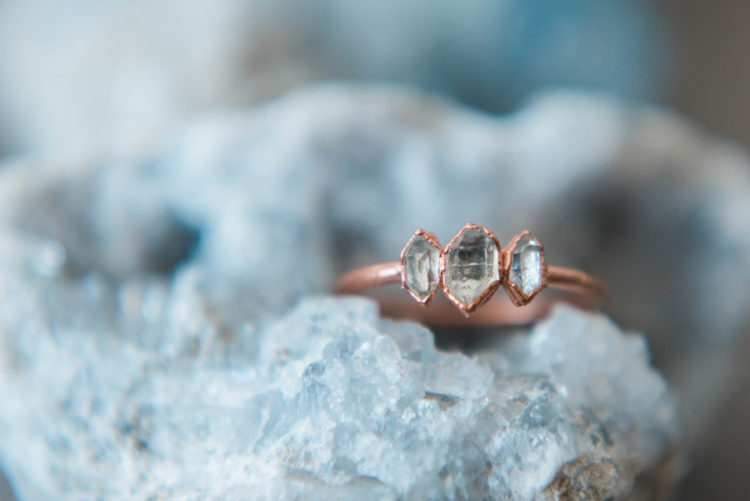 Herkimer diamond ring shot at Haagse Strandhuisjes by a wedding photographer in The Hague
