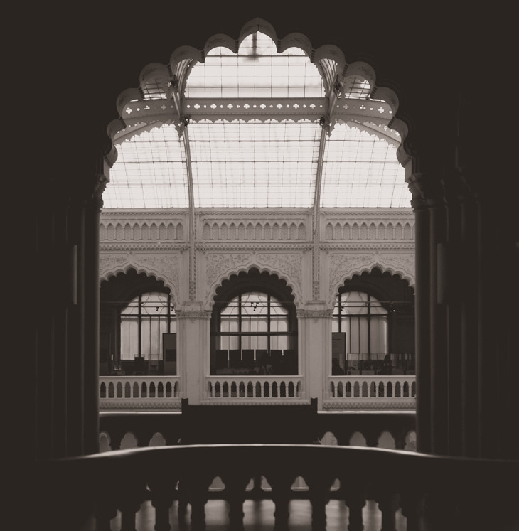 Destination Wedding Photography Budapest Museum of Applied Arts Trouwfotografie Bruidsfotografie