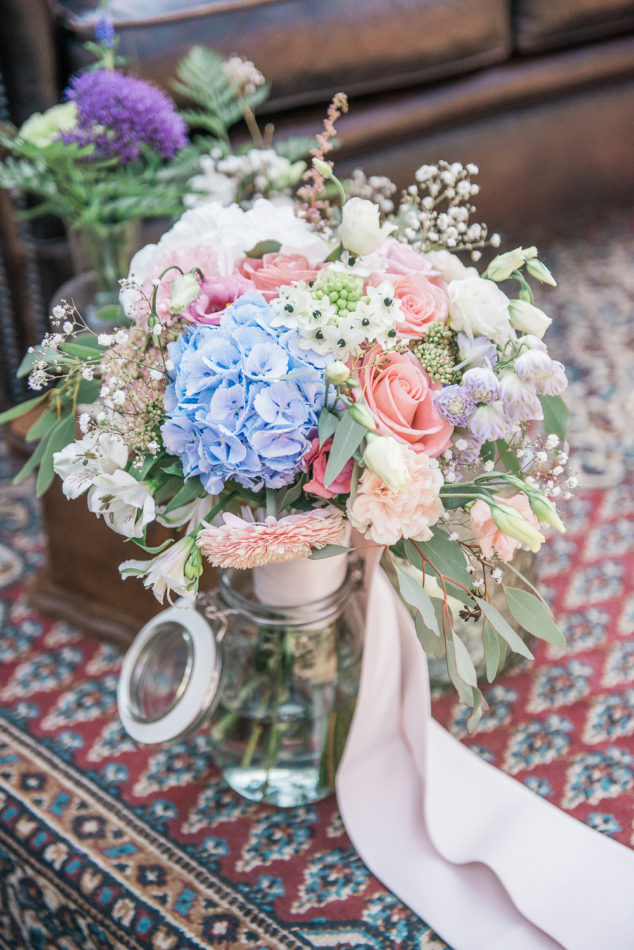 Beautiful pastel wedding bouquet