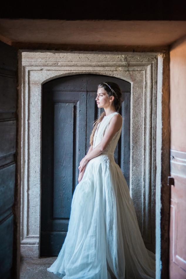 A bride in a Maria Louisa Rabell dress in Castello di Potentino in Tuscany