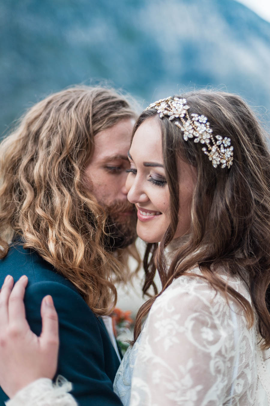 bride and groom eloping in norway. bride wearing a sibo design hairpiece