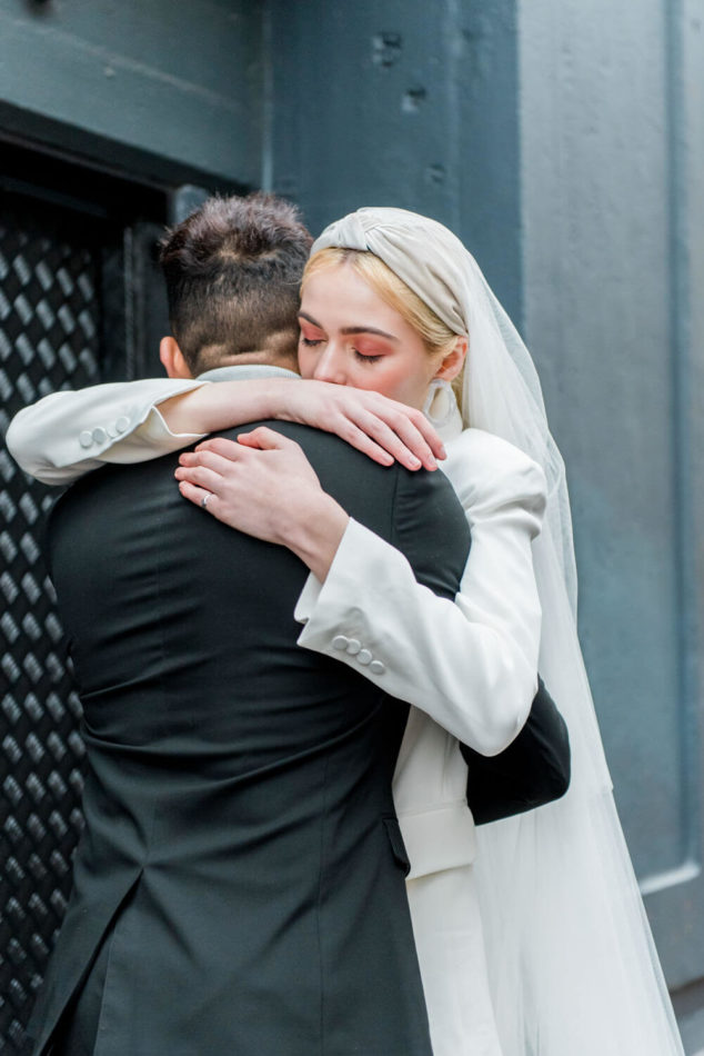A hip elopement in London captured by destination wedding photographer Wit Photography