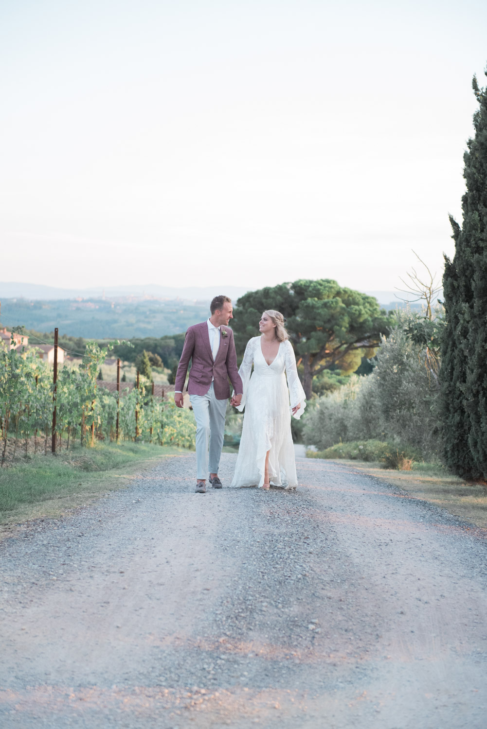 Tuscan destination wedding at Fattoria di Corsignano
