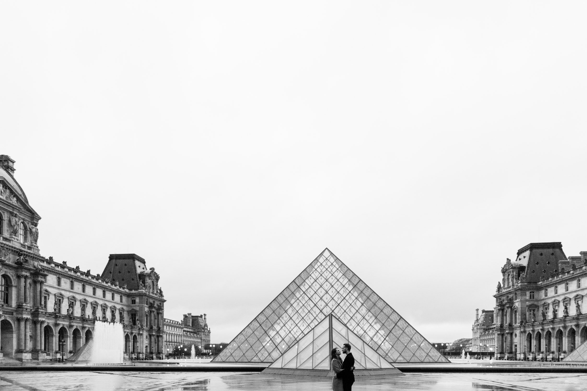 an engagement shoot at the Louvre in Paris