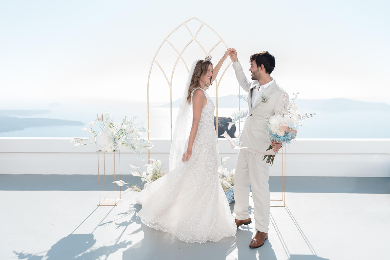 Santorini elopement first dance